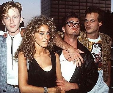 Sarah Jessica Parker mit Anthony Michael Hall, Robert Downey Jr. und Bill Paxton, 80er Jahre